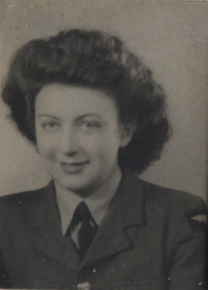 Joan Fraser in her RAF uniform